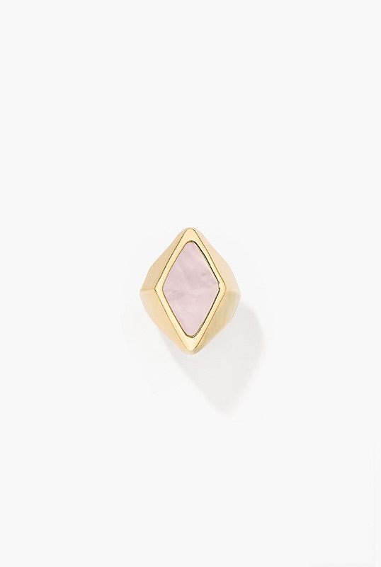 elmire-ring-white-pink-mother-of-pearl-gold-plated
