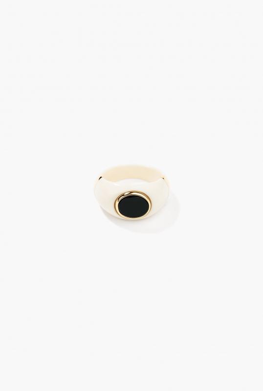 Diana Ring Ivory & black