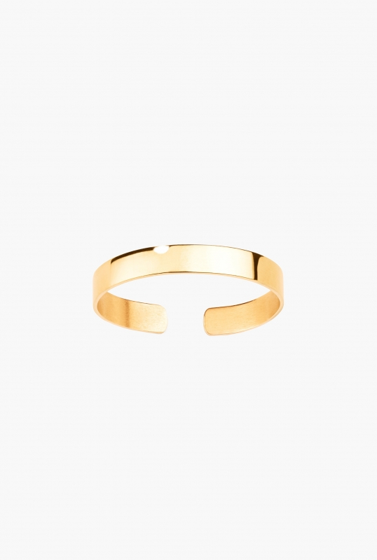 Yellow gold engraved bangle