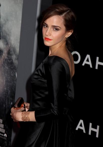 Emma Watson - Manchette Dentelle Vintage